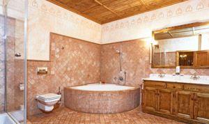 Bathroom with corner bath of room No. 22